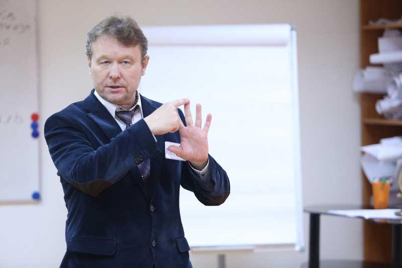 Пять секретов красноречия от Дмитрия Устинова.