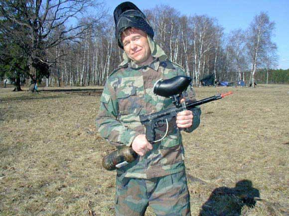 Дима Устинов на пейнтболе
