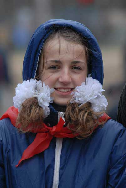 Девочка с бантами