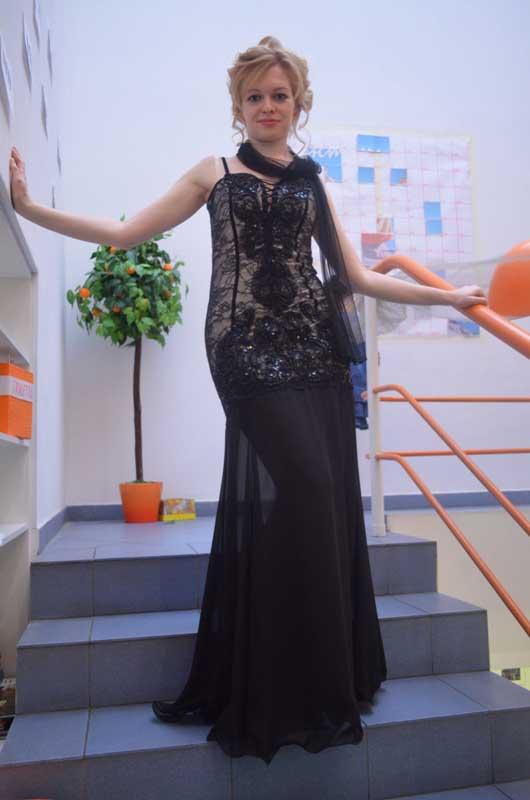Наталья Плотникова - светская дама.