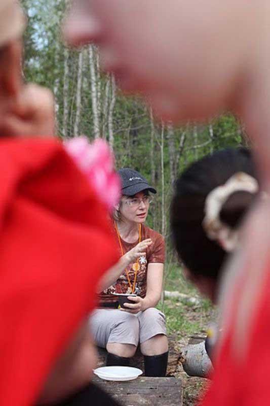 Внимательные увидят Марину Смирнову
