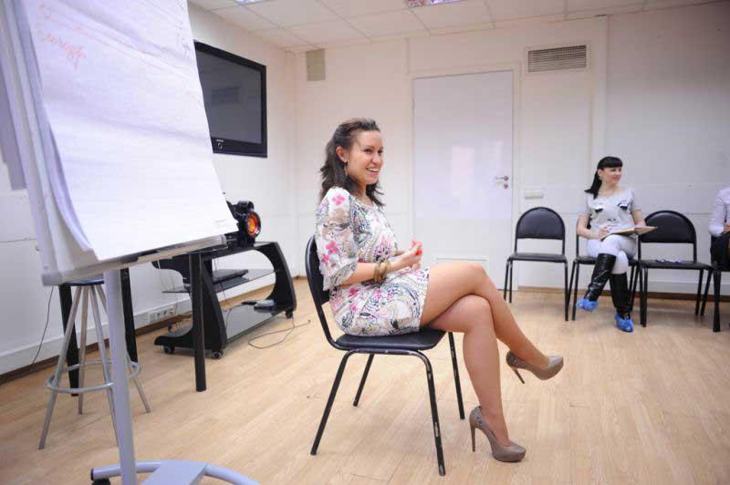 Ведущая тренинга - очаровательная Ирина Мирошниченко.