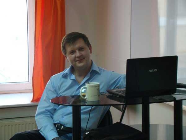 Виталий Пичугин на любимой работе.