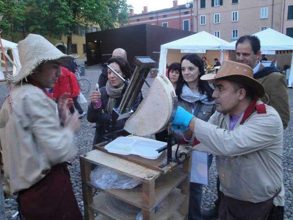 Изготовители чупа-чупсов с машинкой для изготовления чупа-чупсов