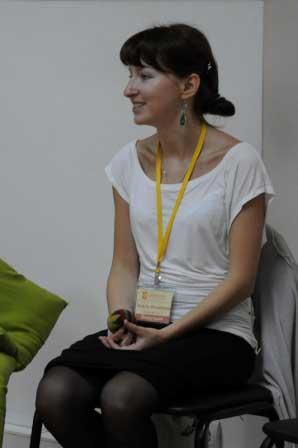 Ведущая детской группы - Ольга Байдакова.