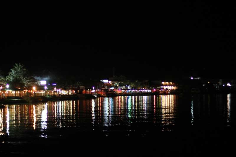 Ночные огни Дахаба.