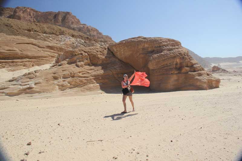 Укротительница песка.