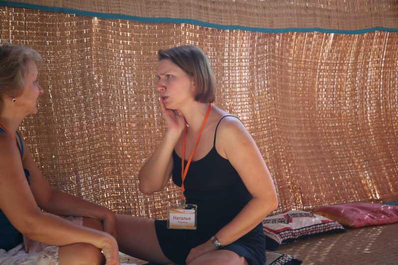 Наташа в роли рассказчика.