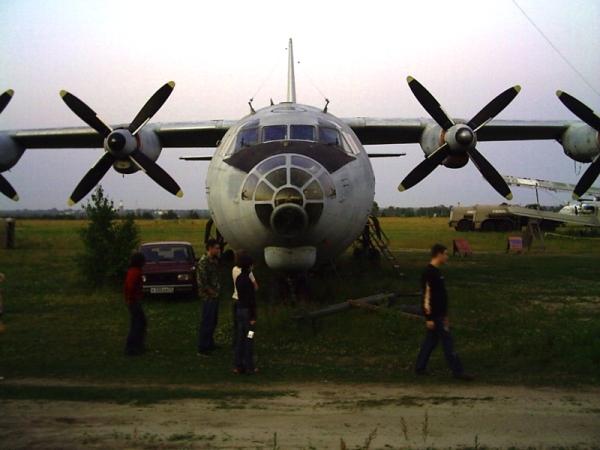 Зверь-машина АН-12