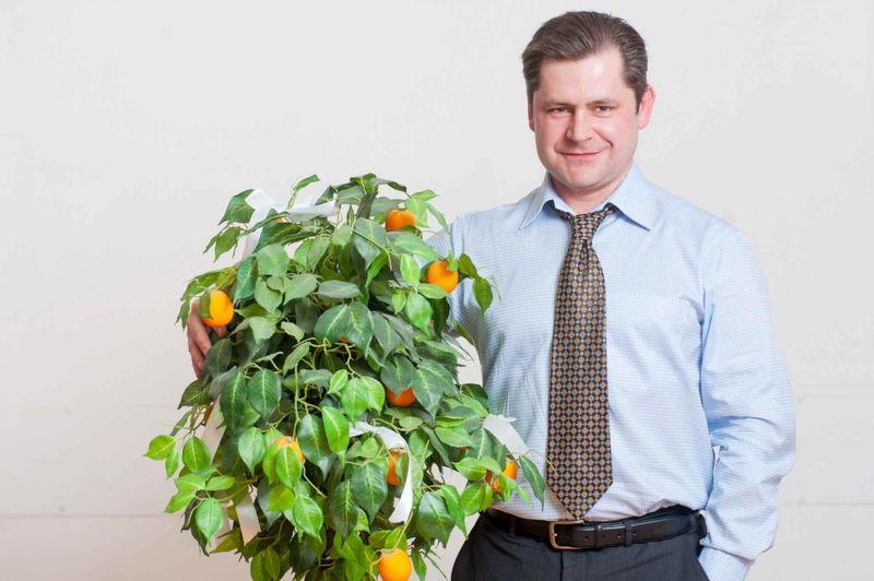 Виктор Петрошевич и апельсиновое дерево